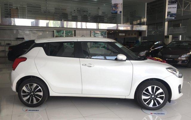 Bán - Suzuki Swift + phụ kiện - Xe nhập khẩu - Có sẵn - Đủ màu - Giao xe toàn quốc - LH 03566021021