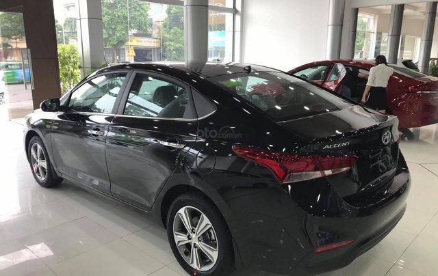 Bán xe Hyundai Accent MT đời mới 100%, màu đen2