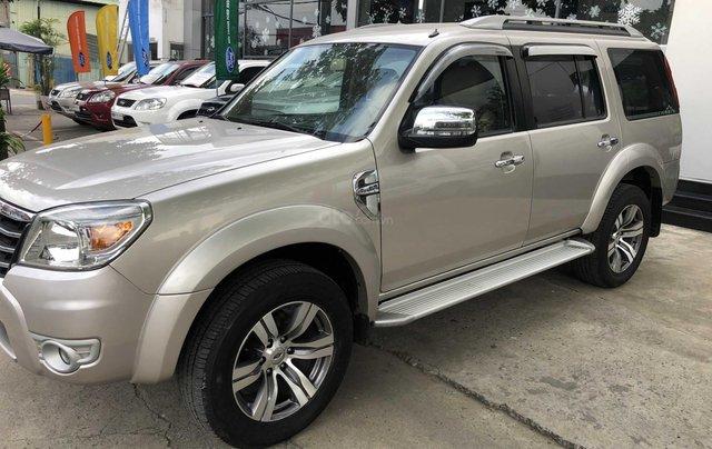 Cần bán gấp Ford Everest đời 2009, màu vàng xe gia đình giá 459 triệu đồng2