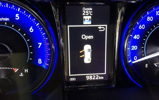 Bán ô tô Toyota Camry đời 2018, màu đen như mới2