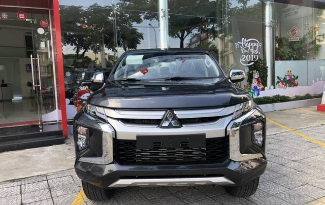 Cần bán xe Mitsubishi Triton 4x2 AT năm 2019, màu xám, xe nhập0