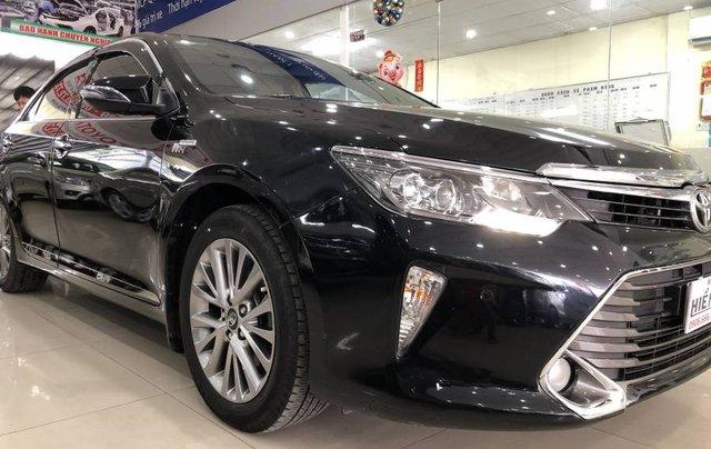 Bán ô tô Toyota Camry đời 2018, màu đen như mới5