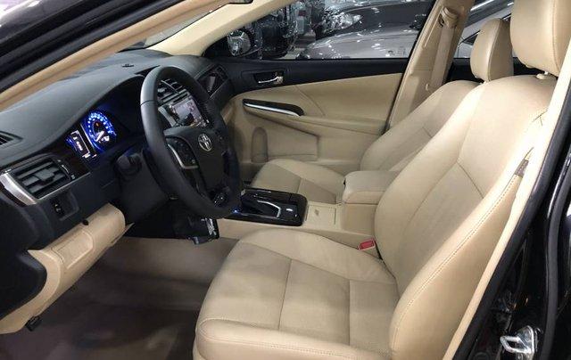 Bán ô tô Toyota Camry đời 2018, màu đen như mới3