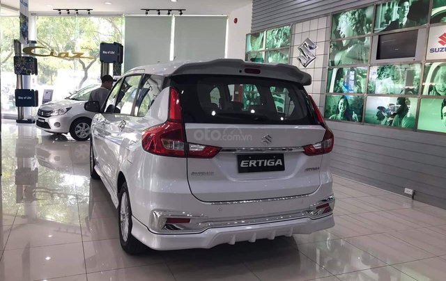 Bán nhanh chiếc xe Suzuki Ertiga GLX AT năm sản xuất 2019, màu trắng2