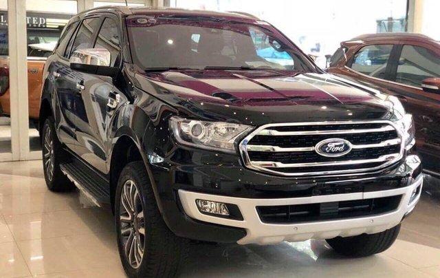 Ford Everest giảm cực sâu đón tết1