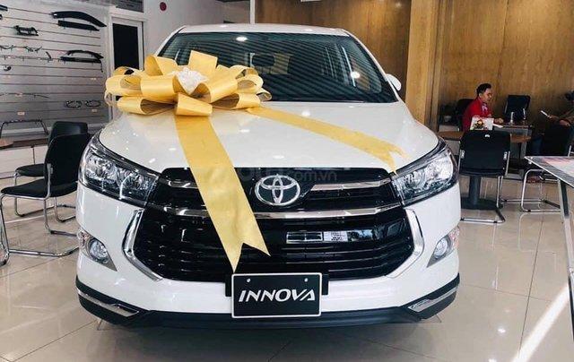 Bán ô tô Toyota Innova 2.0 năm sản xuất 2019, màu trắng0