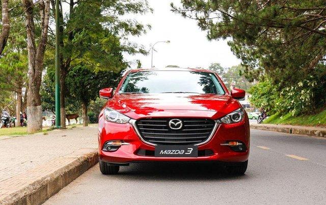 Khuyến mại lớn cuối năm chiếc xe Mazda 3 Facelift 2019, màu đỏ - Giao xe nhanh toàn quốc1