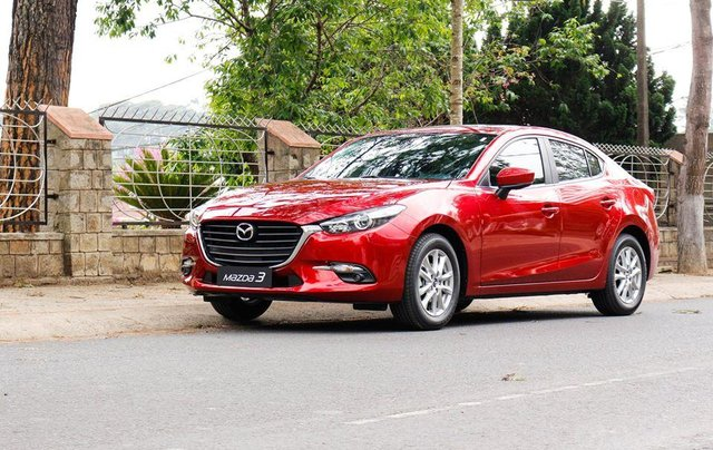 Khuyến mại lớn cuối năm chiếc xe Mazda 3 Facelift 2019, màu đỏ - Giao xe nhanh toàn quốc2