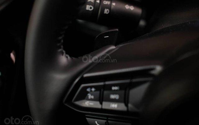 Khuyến mại lớn cuối năm chiếc xe Mazda 3 Facelift 2019, màu đỏ - Giao xe nhanh toàn quốc12
