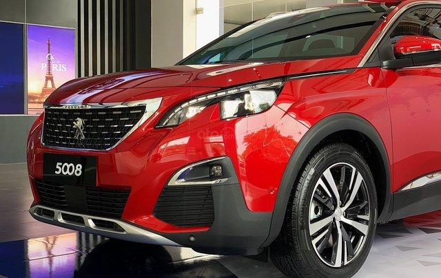 Cần bán nhanh chiếc xe Peugeot 5008 năm 2019, màu đỏ - Có sẵn xe - Giao nhanh toàn quốc1