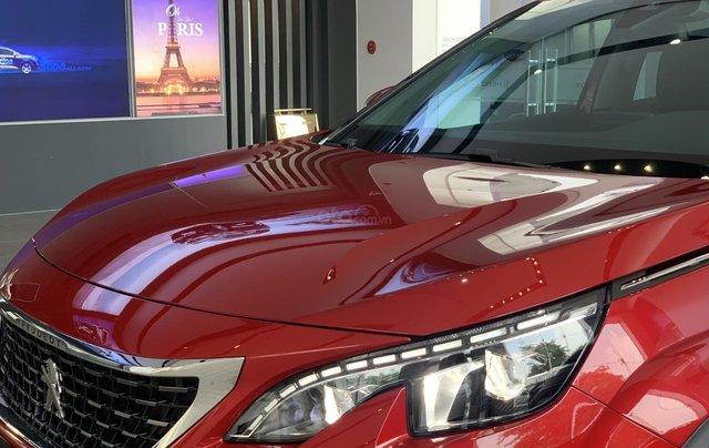 Cần bán nhanh chiếc xe Peugeot 5008 năm 2019, màu đỏ - Có sẵn xe - Giao nhanh toàn quốc5