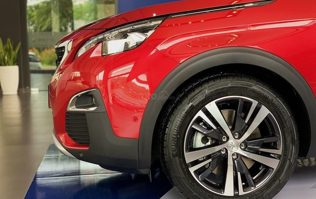 Cần bán nhanh chiếc xe Peugeot 5008 năm 2019, màu đỏ - Có sẵn xe - Giao nhanh toàn quốc8