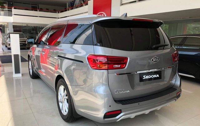 Kia Sedona máy dầu 2019, tặng bảo hiểm, DVD gối đầu, camera, giảm tiền mặt1