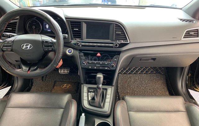 Bán xe Hyundai Elantra Turbo Sport đời 2018, màu đen, giá 668tr8