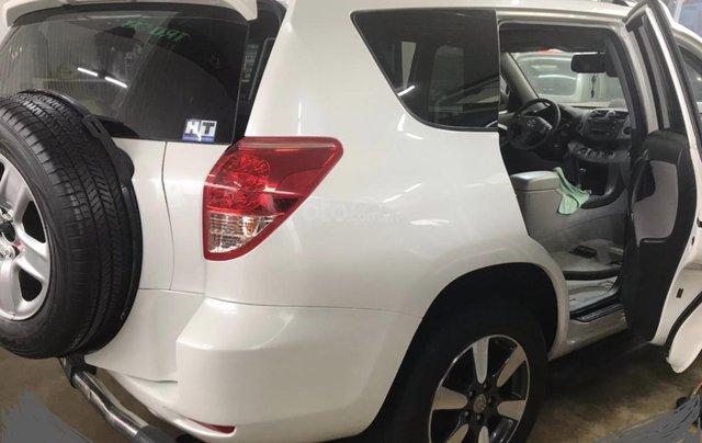 Cần bán xe Toyota RAV4 đời 2017 màu trắng, xe nhập4