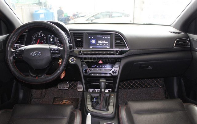 Hyundai Elantra Turbo 1.6AT 2018, xe cực đẹp, cực mới7