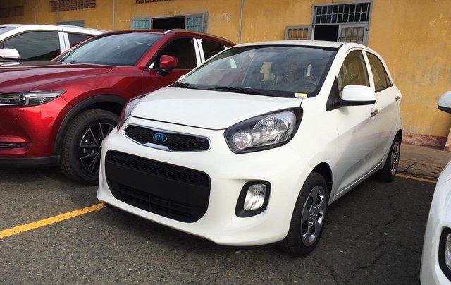Tặng phụ kiện chính hãng khi mua xe Kia Morning AT- 2019 màu trắng, số tự động0