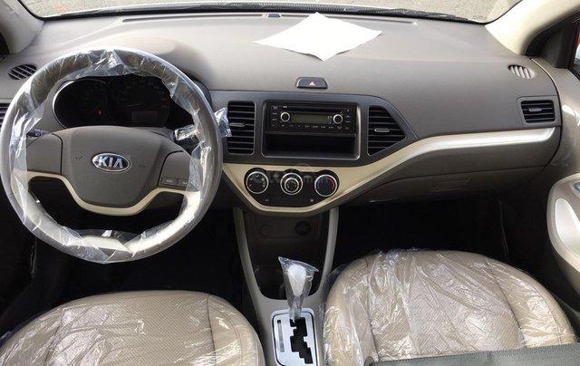 Tặng phụ kiện chính hãng khi mua xe Kia Morning AT- 2019 màu trắng, số tự động2