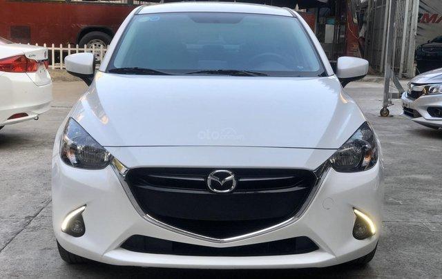Cần bán xe Mazda 2 1.5AT 2017, số tự động, trắng, trả góp1