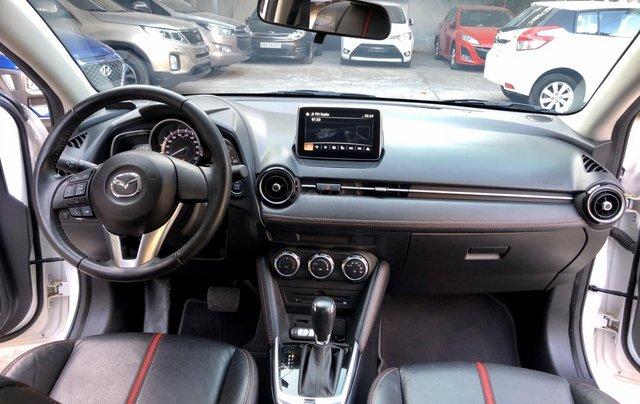 Cần bán xe Mazda 2 1.5AT 2017, số tự động, trắng, trả góp2