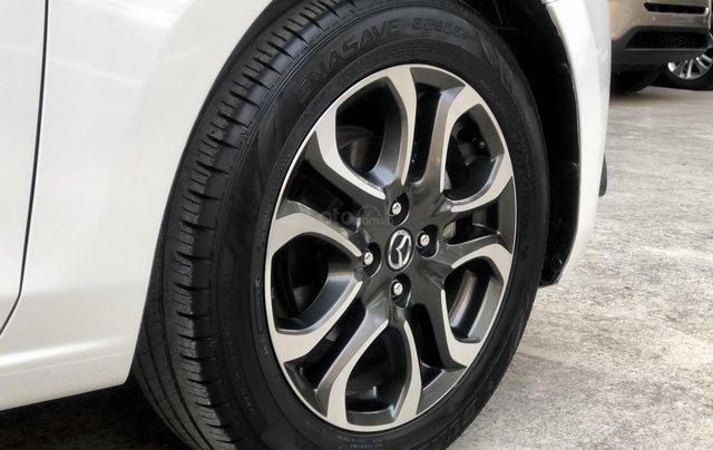 Cần bán xe Mazda 2 1.5AT 2017, số tự động, trắng, trả góp6
