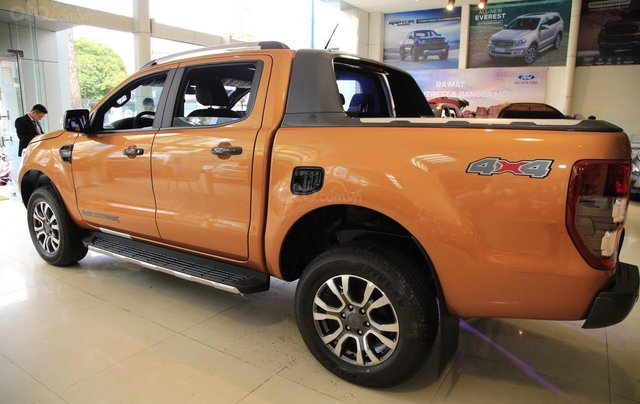 Ford Ranger tặng nắp thùng, dán phim, camera hành trình, 7 món phụ kiện theo xe, LH 09098502559