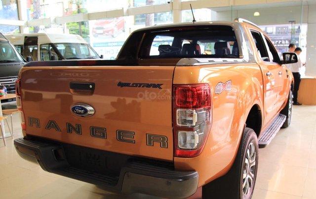 Ford Ranger tặng nắp thùng, dán phim, camera hành trình, 7 món phụ kiện theo xe, LH 09098502556
