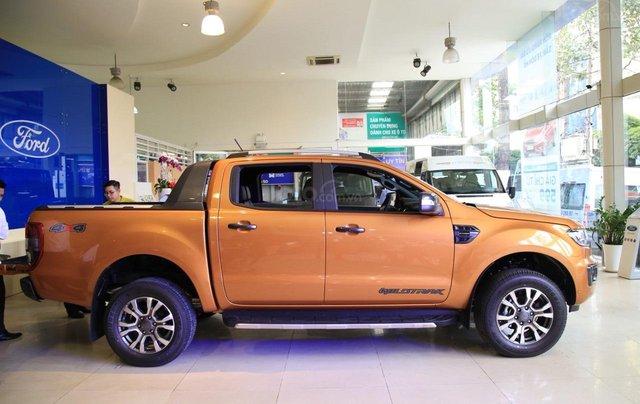 Ford Ranger tặng nắp thùng, dán phim, camera hành trình, 7 món phụ kiện theo xe, LH 09098502555