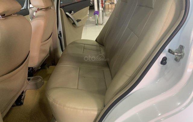 Bán Chevrolet Aveo 1.5AT đời 2017, màu trắng, giá tốt3