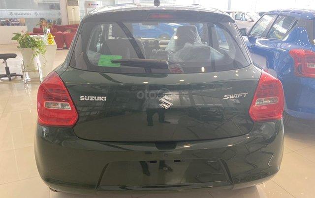 Suzuki Swift giá sốc đủ màu giao ngay, chỉ cần 100 triệu nhận xe4