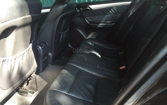 Cần bán xe Mercedes 2005, màu đen2
