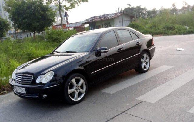Cần bán xe Mercedes 2005, màu đen9