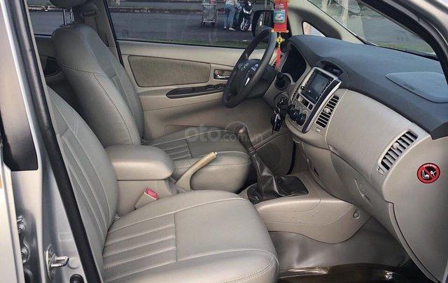 Cần bán xe Toyota Innova 2.0E 2014, xe không dịch vụ biển TP giá 508 triệu4