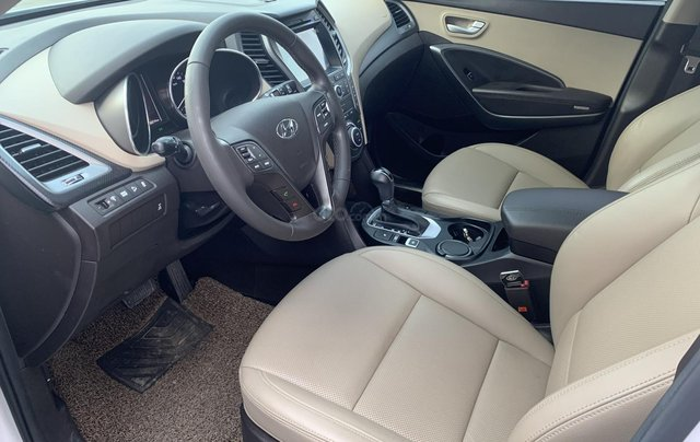 Cần bán Hyundai Santa Fe 2.4 4WD sản xuất 2018, màu đỏ1