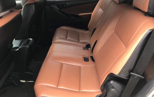 Xe Innova E 2019 màu trắng, số sàn, hỗ trợ vay ngân hàng3