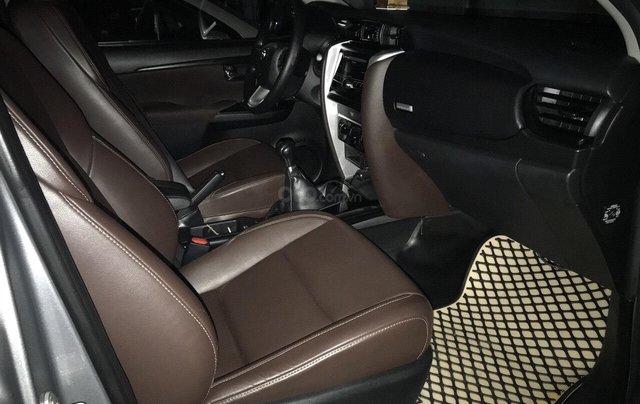 Cần bán xe Toyota Fortuner 2017, màu bạc, giá tốt6