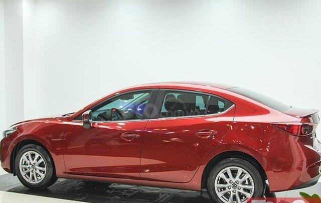 Khuyến mại lớn cuối năm chiếc xe Mazda 3 Facelift 2019, màu đỏ - Giao xe nhanh toàn quốc0