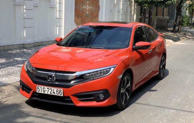 Bán Honda Civic 1.5 Turbo sản xuất 2018 nhập nguyên chiếc, xe mới đi lướt 11.000km bao kiểm tra tại hãng1