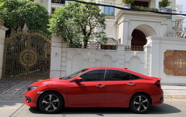 Bán Honda Civic 1.5 Turbo sản xuất 2018 nhập nguyên chiếc, xe mới đi lướt 11.000km bao kiểm tra tại hãng2