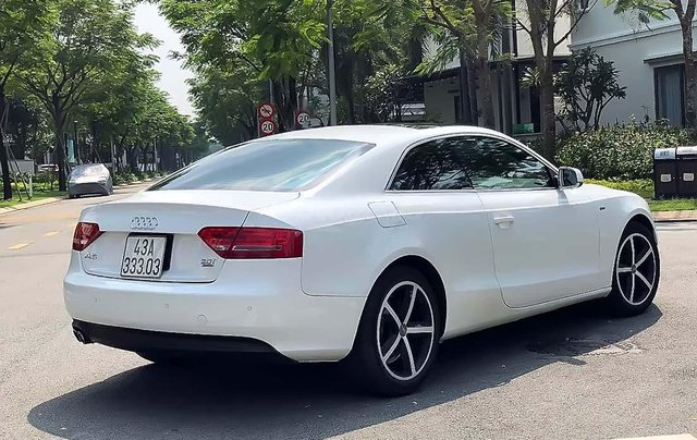 Cần bán Audi A5 A5 2.0 T đời 2010, màu trắng, xe nhập1