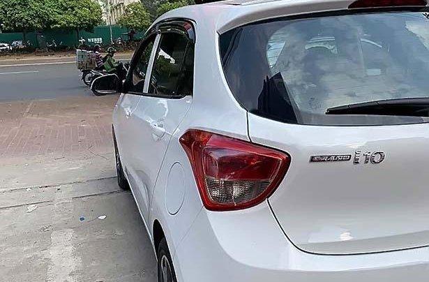 Cần bán Hyundai Grand i10 năm sản xuất 2015, màu trắng, nhập khẩu 1