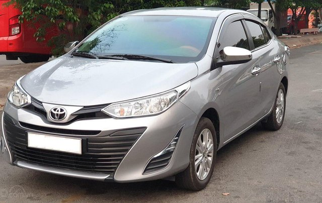 Bán xe Toyota Vios 1.5E sản xuất 2018, màu bạc số sàn, giá tốt6