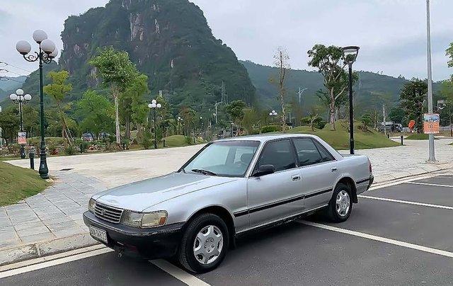 Cần bán xe Toyota Cressida đời 1993, màu bạc, giá chỉ 55 triệu0