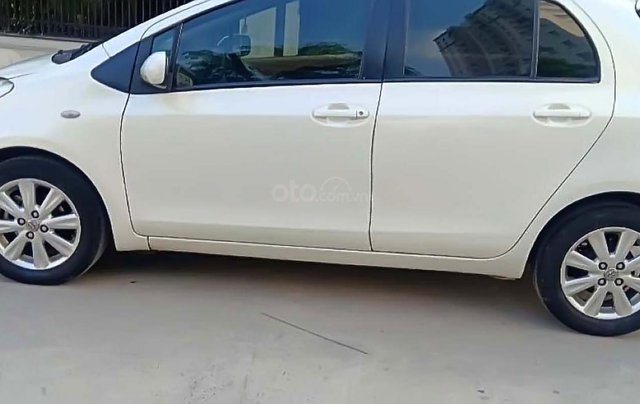 Bán Toyota Yaris 1.3 AT năm 2010, màu trắng, xe nhập, số tự động0