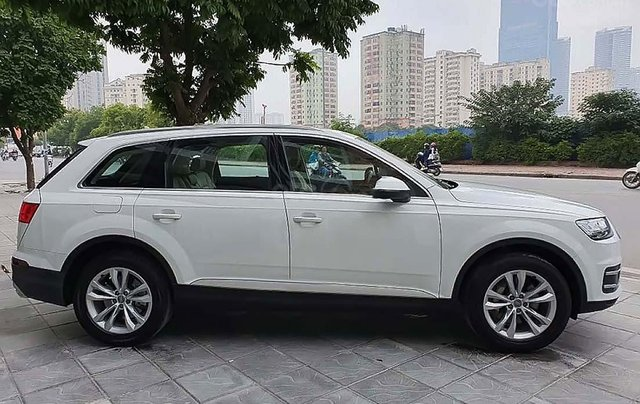 Cần bán xe Audi Q7 năm sản xuất 2016, màu trắng1