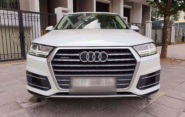 Cần bán xe Audi Q7 năm sản xuất 2016, màu trắng0