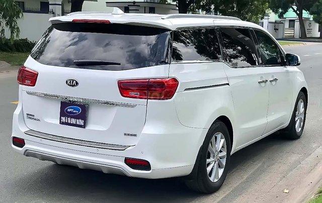 Bán Kia Sedona 2018, màu trắng, xe gia đình1