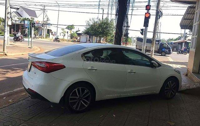 Xe Kia K3 sản xuất 2016, màu trắng1