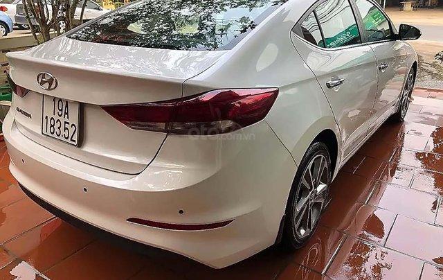 Cần bán lại xe Hyundai Elantra 2.0 2018, màu trắng chính chủ 1