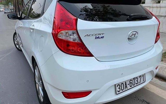 Bán Hyundai Accent sản xuất 2015, màu trắng, nhập khẩu nguyên chiếc1